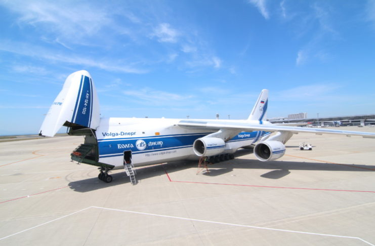 Volga-Dnepr Group An-124-100