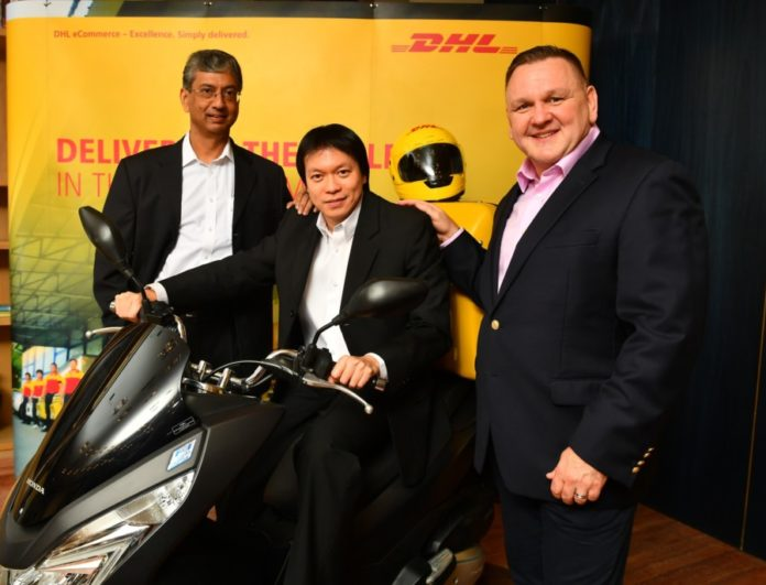 (left to right) DHL eCommerce Asia Pacific CEO, Malcolm Monteiro; DHL eCommerce Thailand MD, Kiattichai Pitpreecha; and DHL eCommerce CEO, Charles Brewer